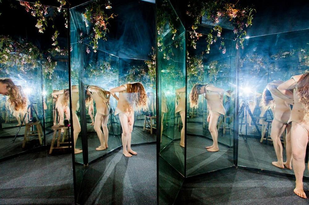 Выставка, где можно влезть в «чужую кожу»