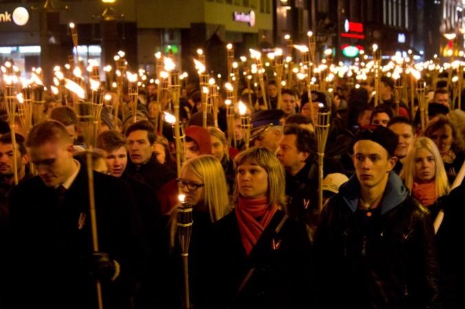 факельное шествие в Риге