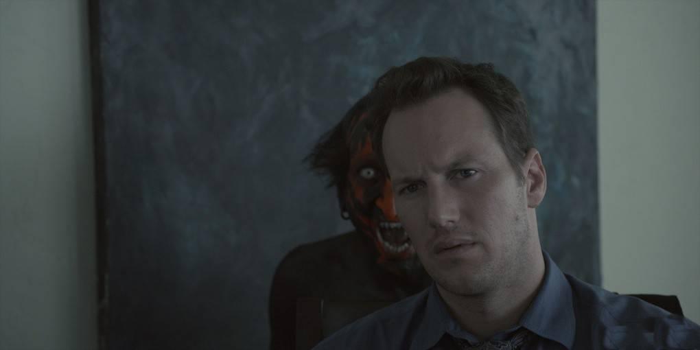 В картине «Один дома» Кевин смотрит фильм «Ангелы с грязными душами». На самом деле такого ф