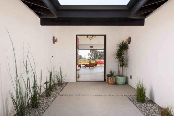 House in Encinitas by dasMOD