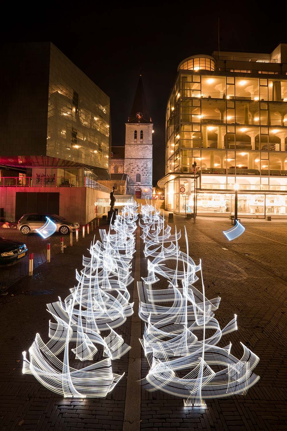 Ephemeral Light Calligraphies in the Netherlands (7 pics)