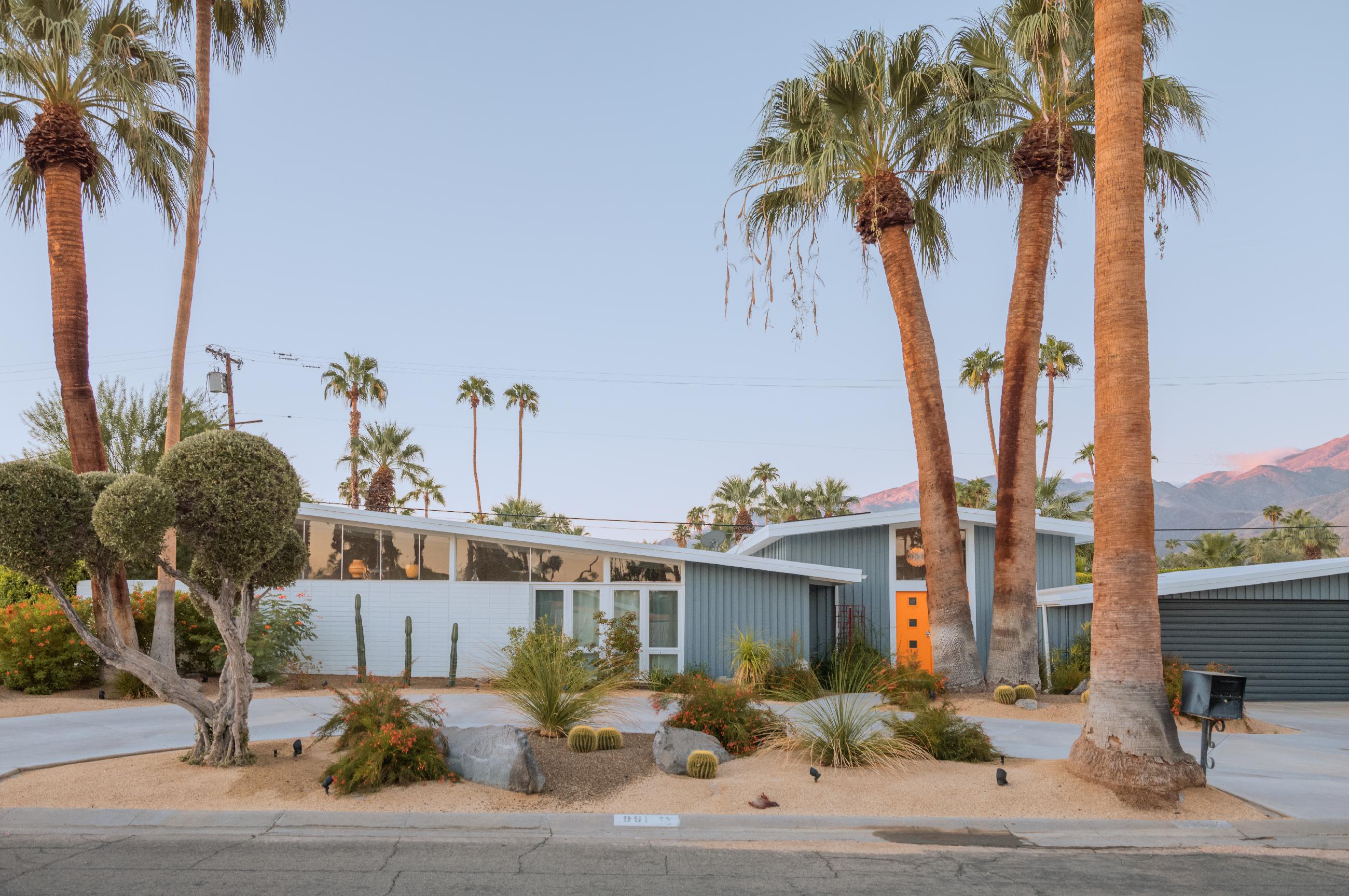 Desert Modernism In Palm Springs