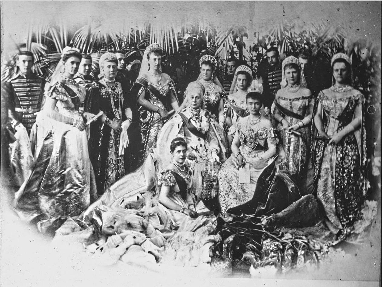 Групповой портрет Великих княгинь и княжен