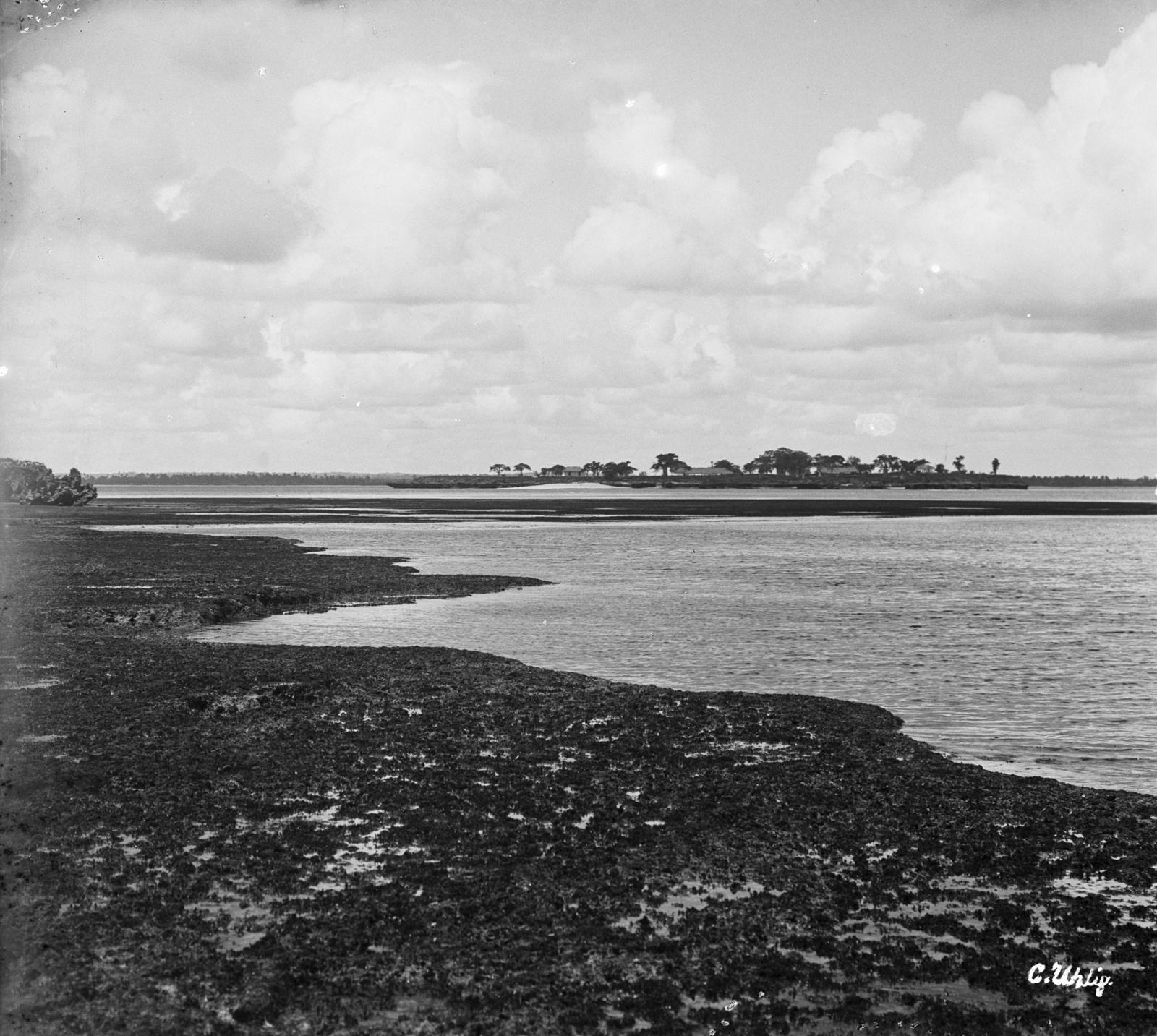 141. Озеро Пертин на острове Макатумбе