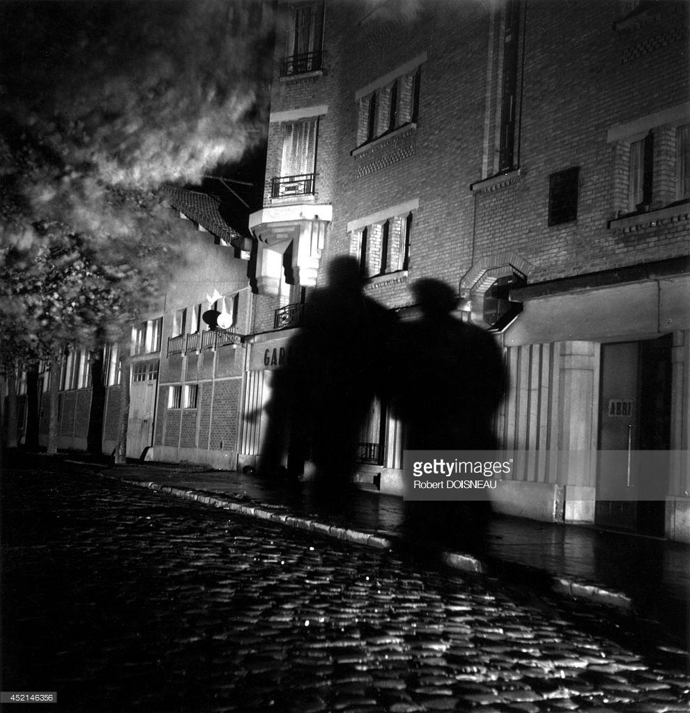 1947. Тени на площади Жюля Ферри