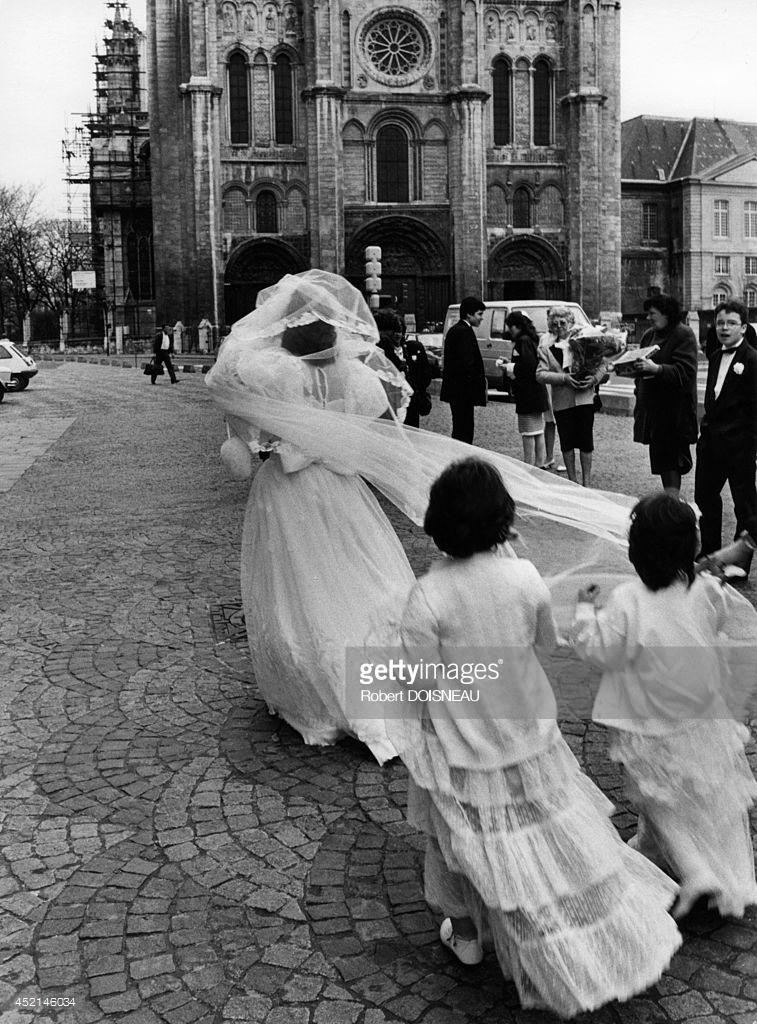 1987. Невеста перед базиликой в Сен-Дени