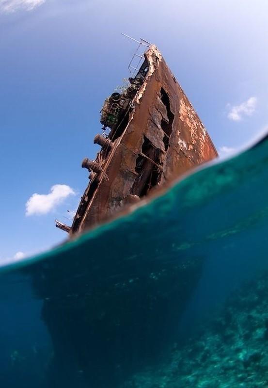 0 182bf5 ee85b7b3 orig - На мели: фото брошенных кораблей