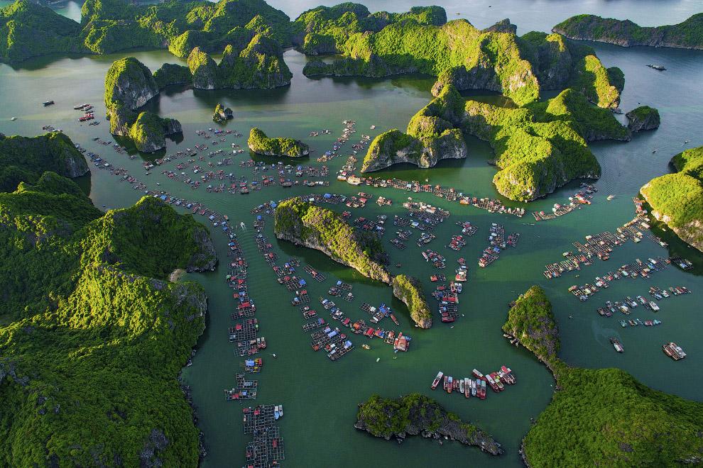 12. В Индии есть загадочная деревня Хампи — еще 20 лет назад затерянное в джунглях поселение, извест