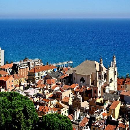 Панорама  городка  Пьетра - Лигуре.
