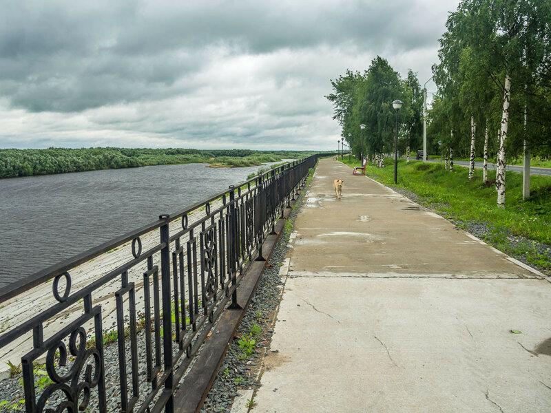 На набережной реки Курополки.