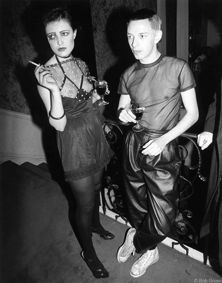 1976. Сьюзи Сью и Саймон