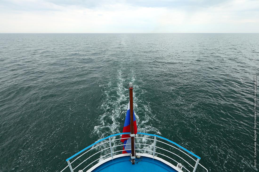 Каспийское море фотография с борта теплохода Русь Великая