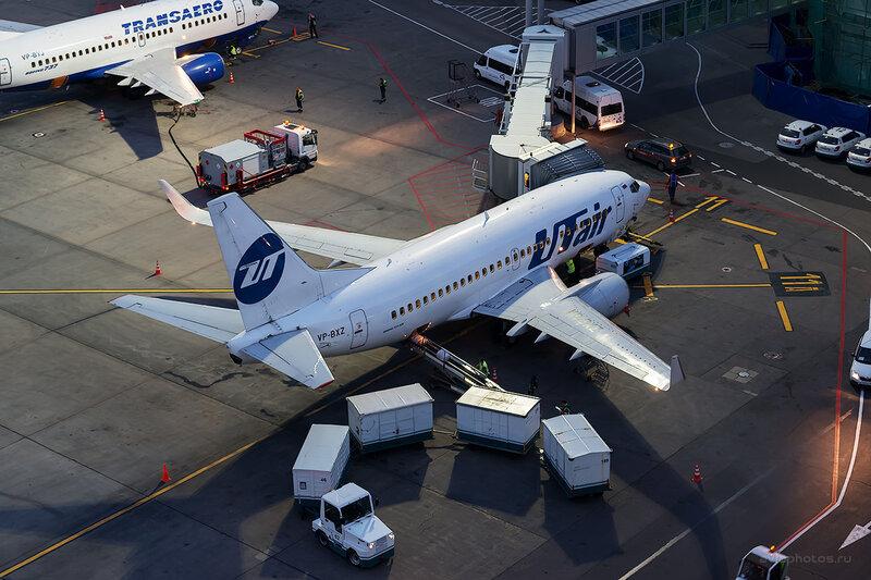 Boeing 737-524 (VP-BXZ) ЮТэйр D804826