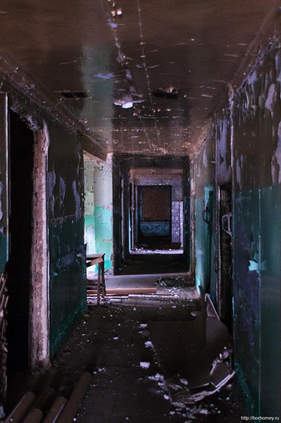 коридор темный