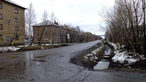Фотография Инты №6771  Промышленная 24 и 22 (улица Промышленная в районе перекрёсток с Дзержинского) 23.05.2014_15:25