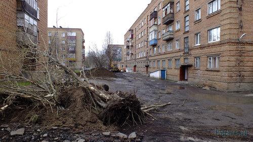 Фото города Инта №6824  Горького 13, 15 и двор Горького 17 02.06.2014_16:31