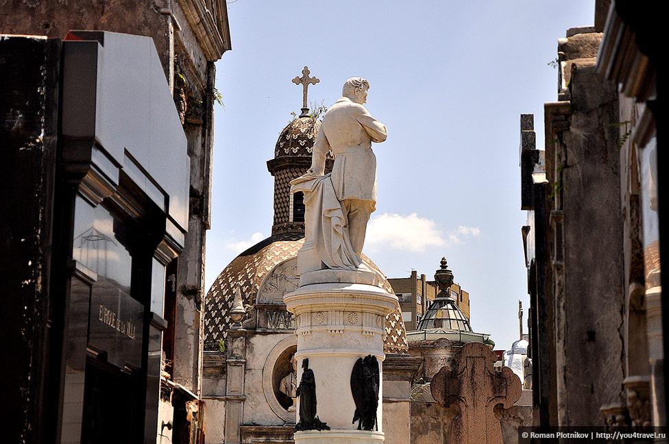 0 3c6cf3 9cc12251 orig День 415 419. Реколета: фешенебельный район и знаменитое кладбище Буэнос Айреса (часть 1)