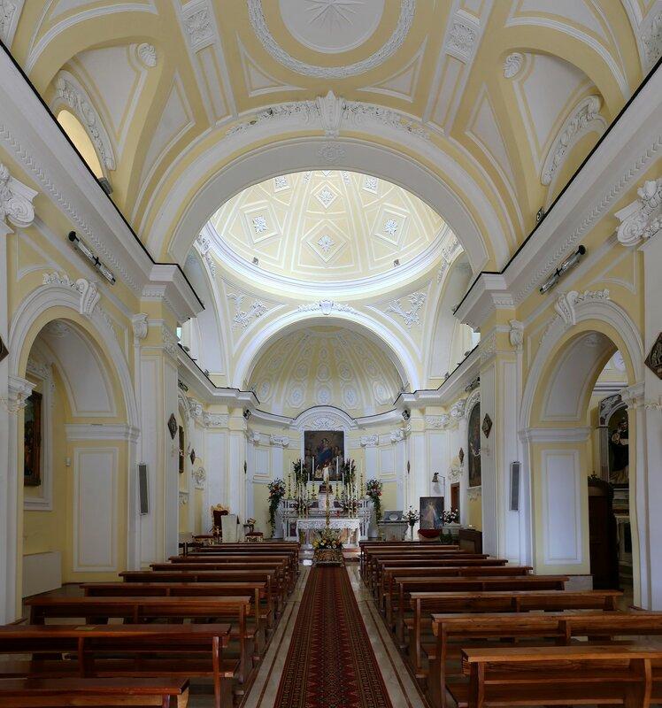 Искья, Серрара. Церковь Святой Марии Кармине (La Chiesa di Santa Maria del Carmine)