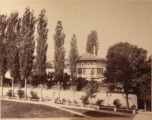 Вид Золотого кабинета на 2-м этаже летней беседки на территории ханского дворца (архитектор - Омер). Бахчисарай.