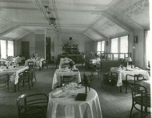 Зал ресторана гостиницы Селект(Лиговская улица, 44).