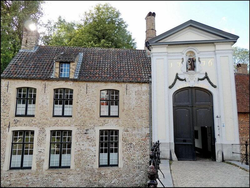 Brugge 9560 Begijnhof.JPG