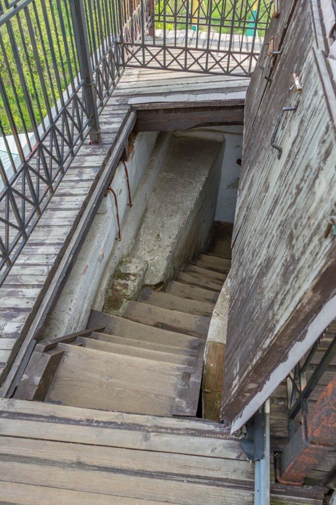 Спуск вниз, Спасо-Преображенский монастырь, Ярославль