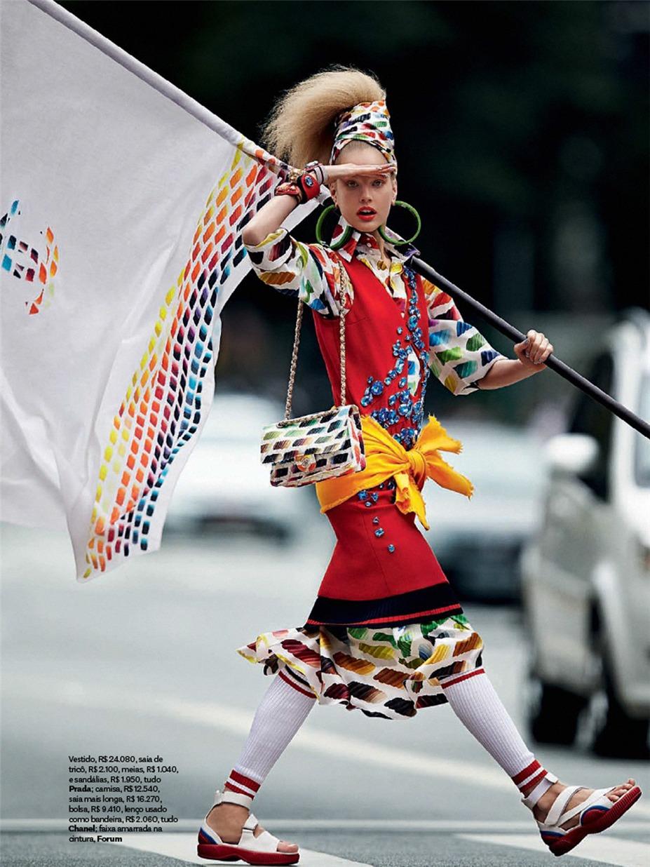 Приветствие наступающему Чемпионату мира по футболу - Элизабет Эрм / Elisabeth Erm by Zee Nunes in Vogue Brazil june 2014