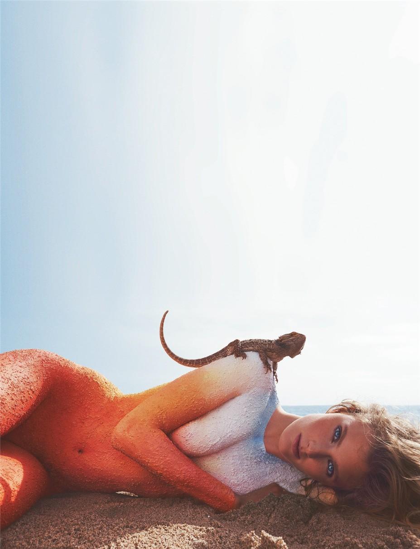 ящерица и Констанс Яблонски / Constance Jablonski by Benny Horne in Numero #154 June/July 2014