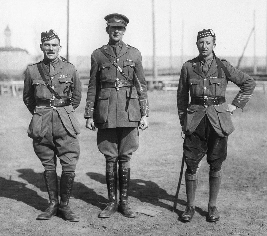 12_scot_brit_officers.jpg
