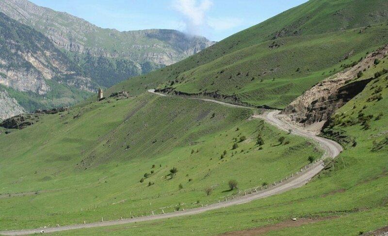 Дорога в Даргавское-Джимаринское ущелье и в Кармадон. (Resize of IMG_2857.JPG)