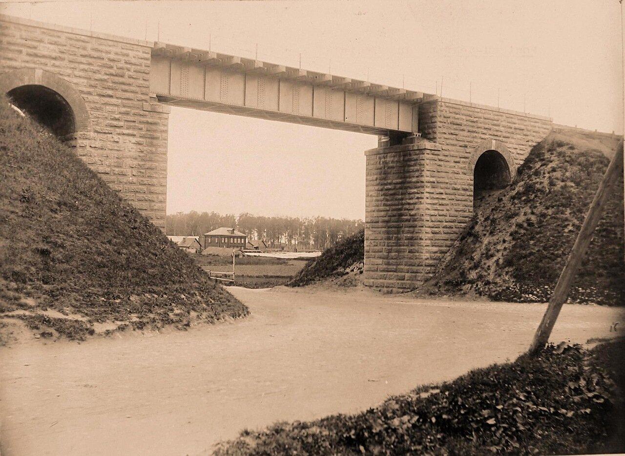 Вид на соединительный железнодорожный мост
