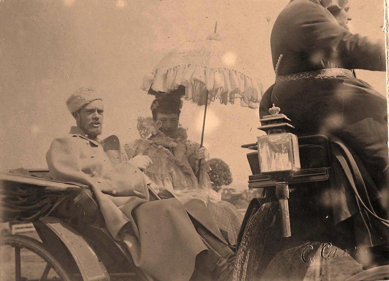 Великий князь Сергей Михайлович в экипаже с великой княгиней