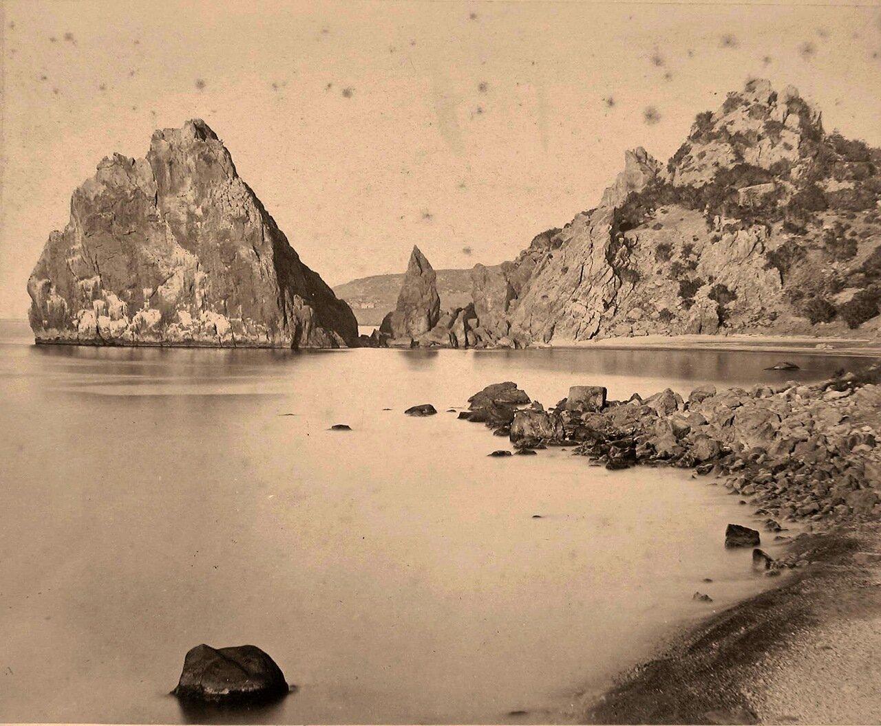 01. Вид местности у подножия горы Аю-Даг
