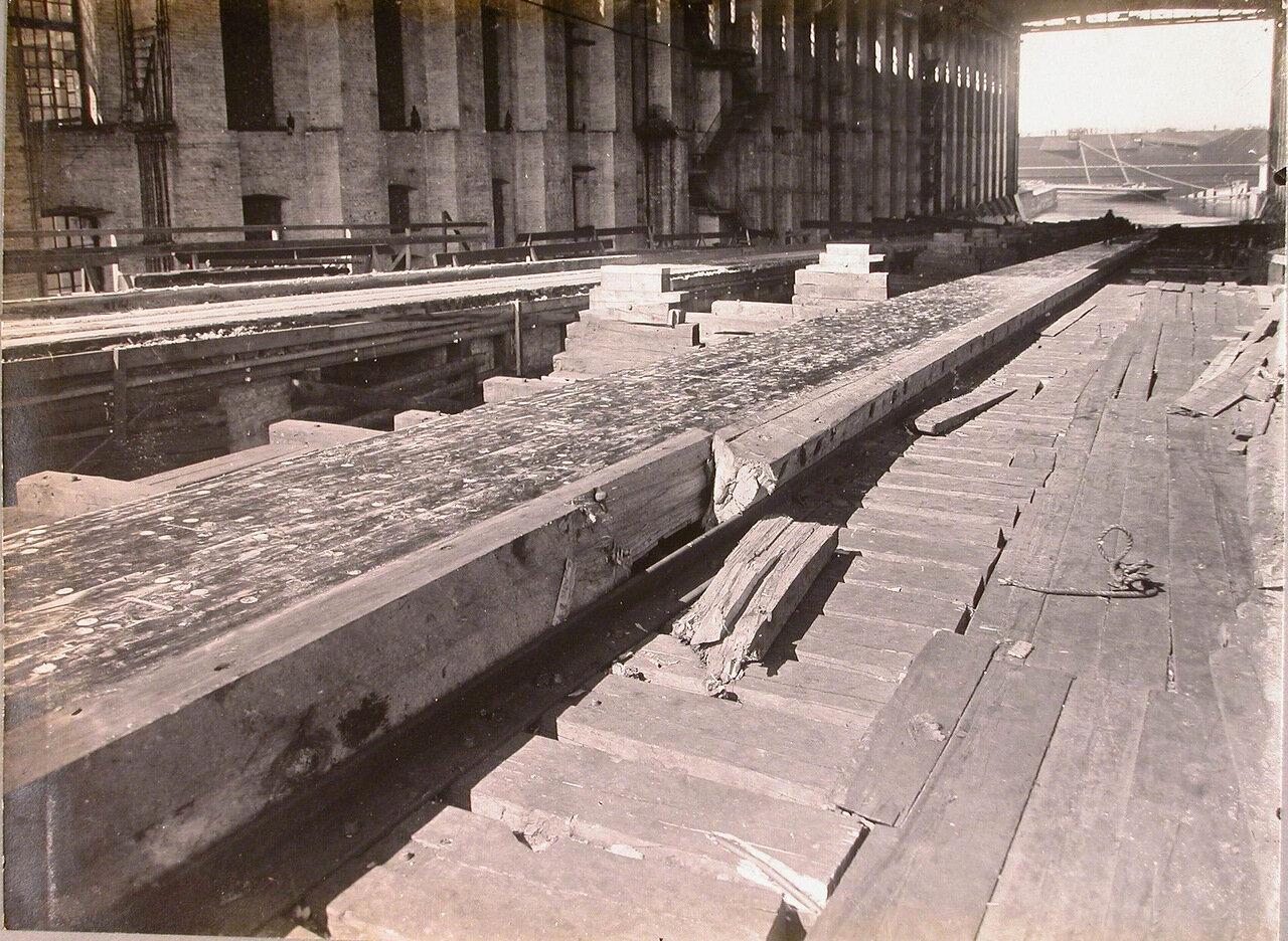 52. Вид спускового фундамента после спуска линейного корабля «Полтава». 28 июня 1911 г.