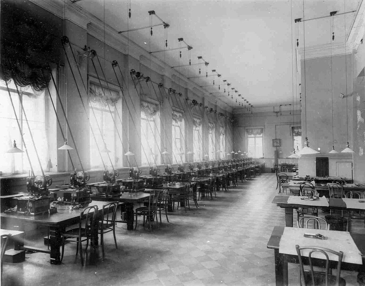 11. Операционный зал Государственного банка