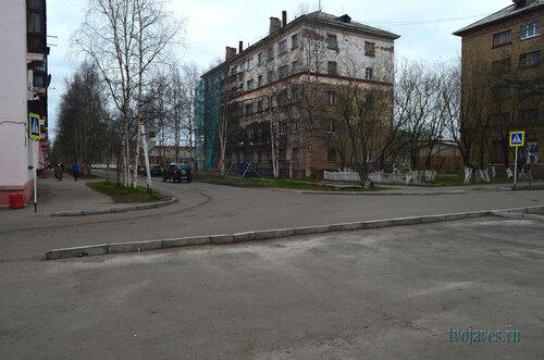 Фото города Инта №6867  Северо-западный угол Полярной 25 03.06.2014_17:08