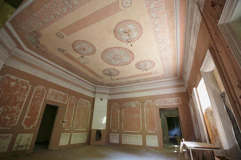 Центральный зал с печами