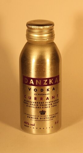 Водка Danzka Currant Vodka of Denmark