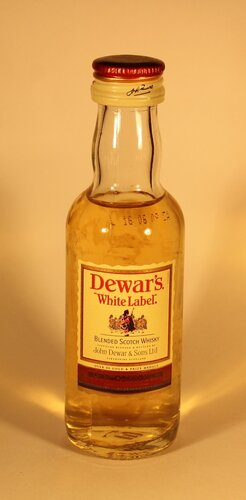 Виски Dewars White Label Blended Scotch Whisky