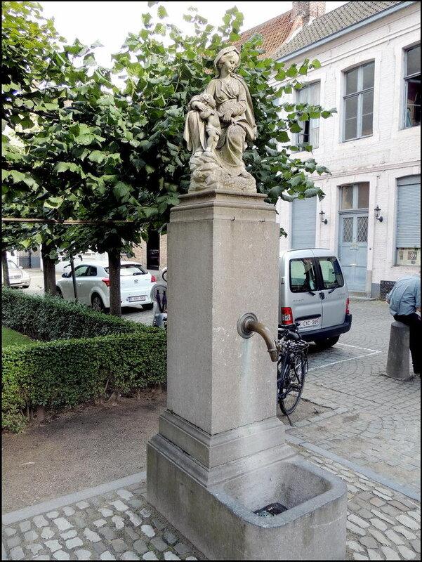 Brugge 9516 Mariastraat.JPG