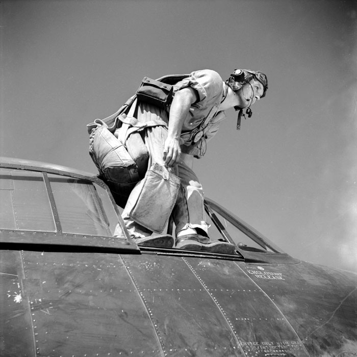 "Une mission du groupe d'avions de chasse Hellcat F6F5 ""Normandie-Niemen"" en mars 1951."