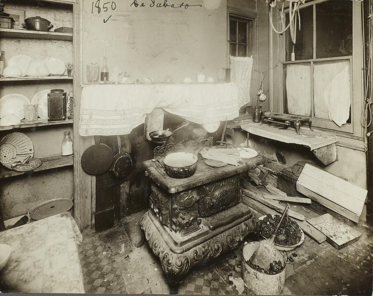Кухня в доходном доме. 1910