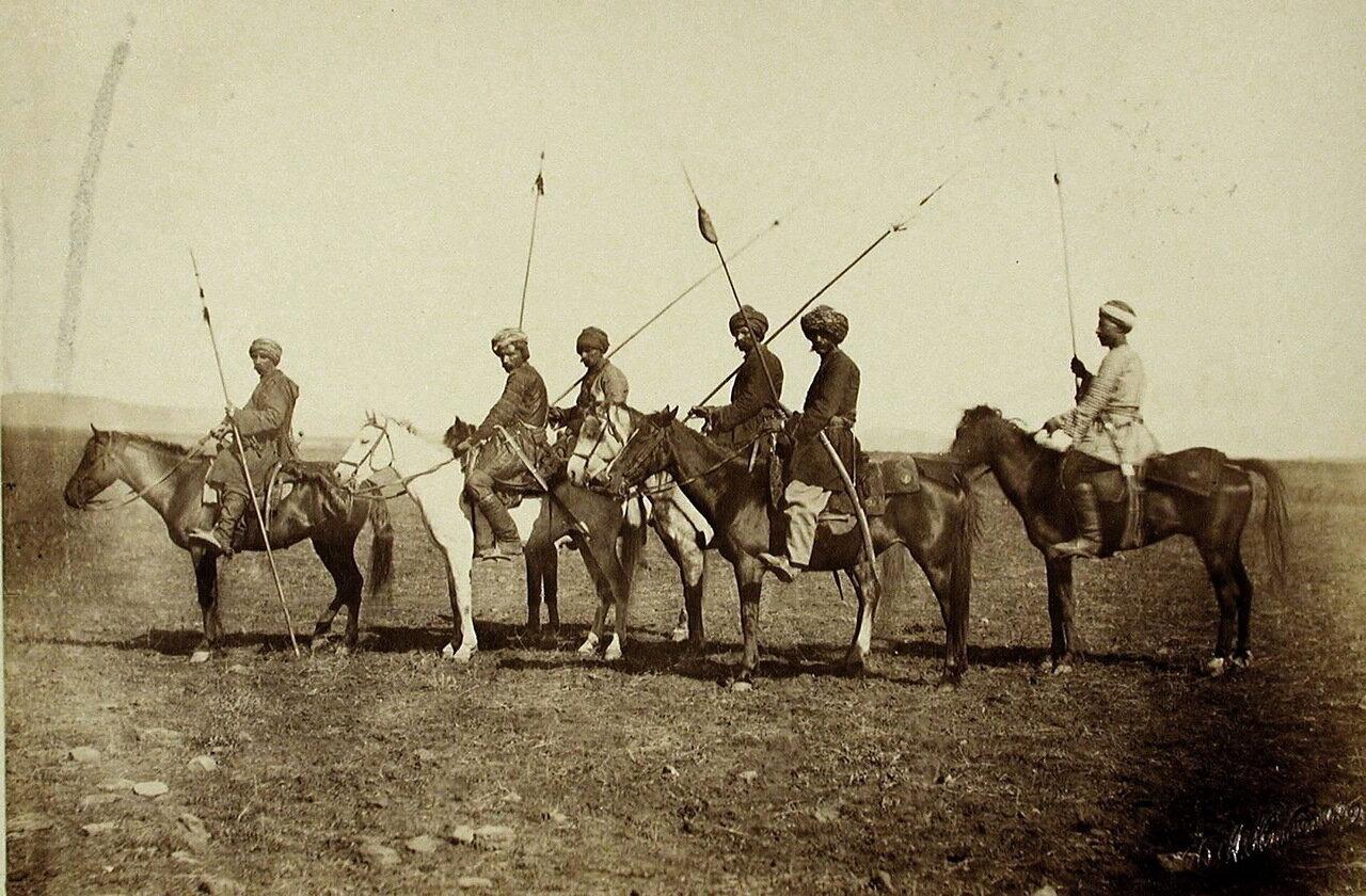 Группа всадников-курдов