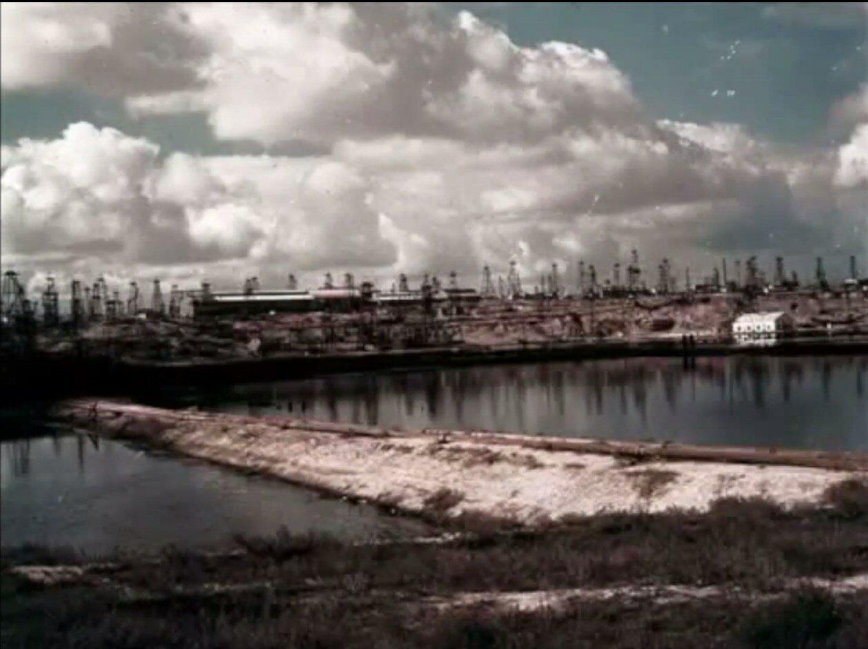 Азербайджан. Баку. Нефтяные поля