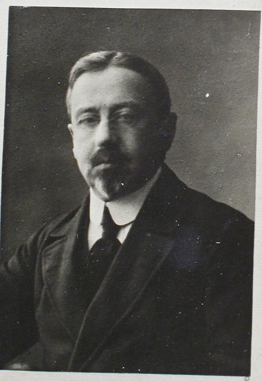 11. б. Профессор, преподаватель физики статский советник Александр Львович Гершун  (29 октября 1868 — 8 июня 1915)