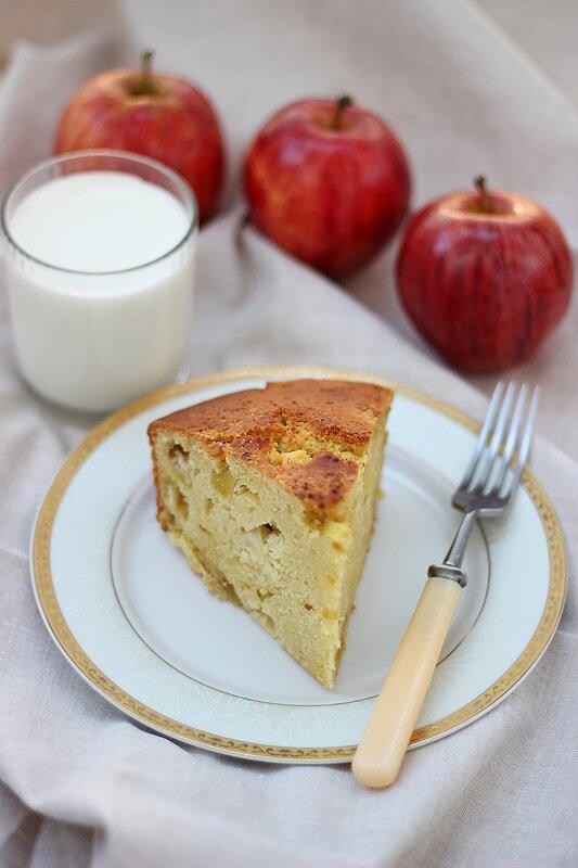 Яблочный пирог на кефире (1).JPG