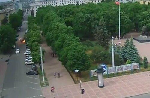 авиаудар по Луганску