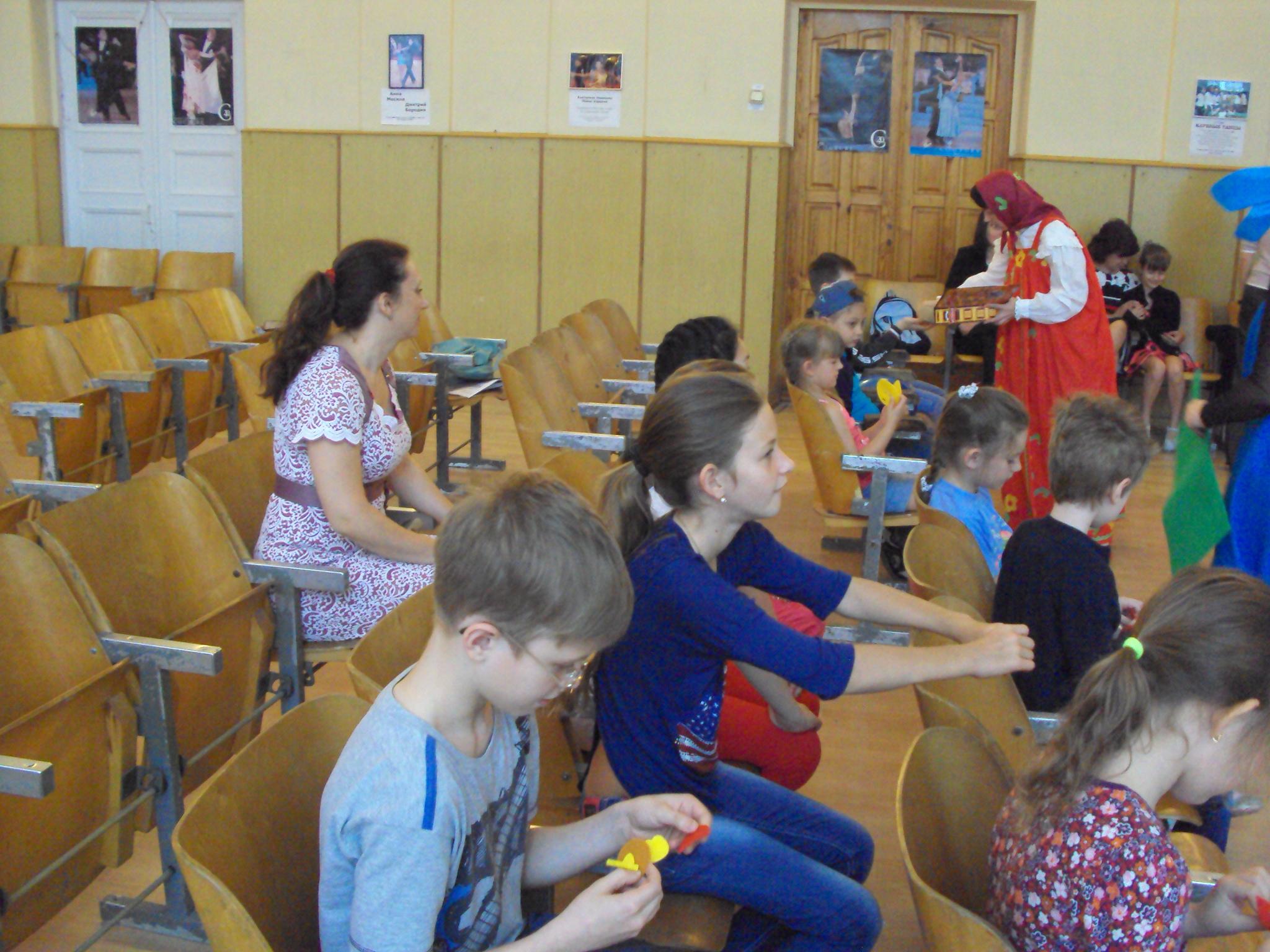 Пришкольный лагерь, донецкая школа №14, новости нашего отдела, летний лагерь в библиотеке, летние каникулы в детской библиотеке