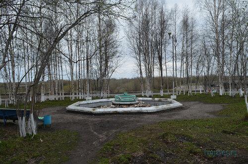 Фотография Инты №6855  Южная сторона бывшего фонтана, расположенного с торца дома по Полярной 12 03.06.2014_16:53