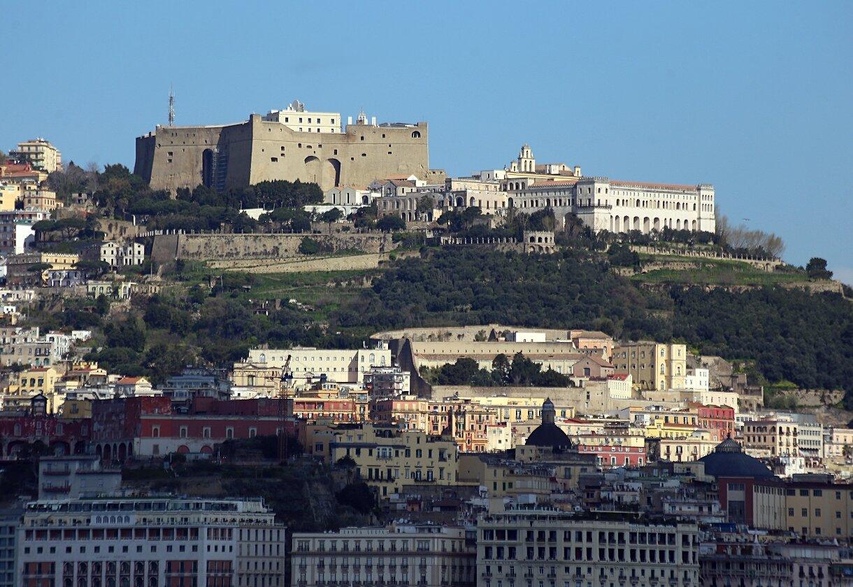 Неаполь. Замок Сант-Эльмо и монастырь Сан-Мартино